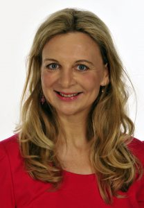Kyra Hoffmann, Heilpraktikerin